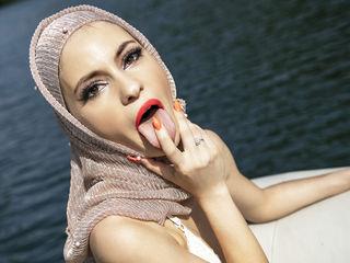 AminaKhalil Live